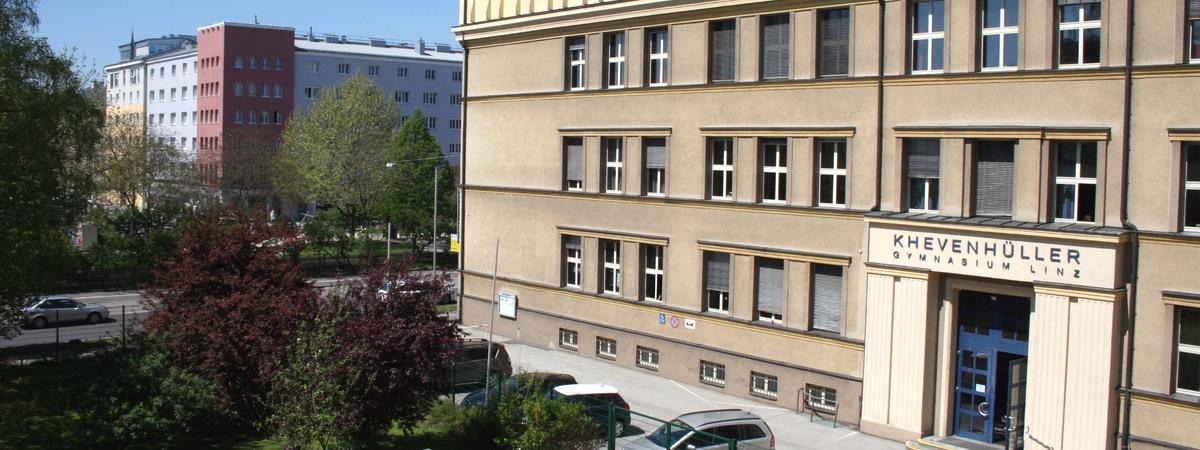 Schulhaus.jpg